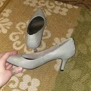 Silver gray pointed toe heels